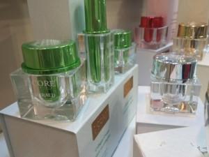 lcore cosmetics picture 1219142146b